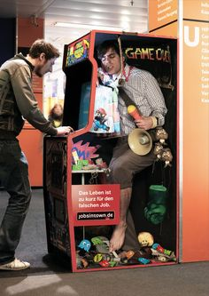 """German Advertisement for Jobisintown.de: """"Life's too short for the wrong job!"""""""