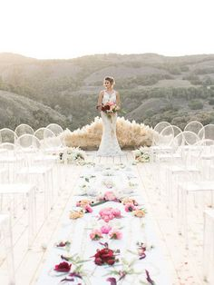 20 Wedding Aisle Runners Ideas Will Make Your Wedding More Fabulous   http://www.tulleandchantilly.com/blog/20-wedding-aisle-runners-ideas-to-make-your-wedding-more-fabulous/