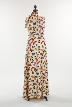Elsa Schiaparelli: Evening dress (2009.300.1347a,b) | Heilbrunn Timeline of Art History | The Metropolitan Museum of Art