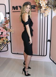 Jennifer Hawkins poses at the Myer Marquee on Derby Day at Flemington Racecourse on October 29, 2016 in Melbourne, Australia.