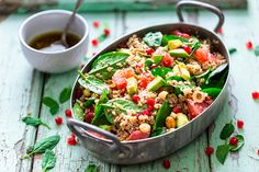 View top-quality stock photos of Winter Salad With Quinoa Avocado Blood Orange Pomegranate Bulgur Hazelnuts. Spinach Salad, Avocado Salad, Avocado Vinaigrette, Healthy Foods To Eat, Healthy Eating, Ora Pro Nobis, Raw Food Recipes, Healthy Recipes, How To Cook Quinoa