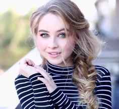 sabrina carpenter - Good blonde for Summers with light brown or blonde hair