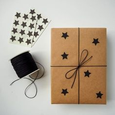 Gifts Wrapping Birthday Brown Paper 69 Ideas wrapping ideas for birthdays Elegant Gift Wrapping, Present Wrapping, Creative Gift Wrapping, Creative Gifts, Simple Gift Wrapping Ideas, Birthday Gift Wrapping, Christmas Gift Wrapping, Gift Wrapping Ideas For Birthdays, Birthday Presents