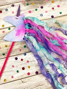 Create a Magical Unicorn Wand. Such a cute and colorful idea! Create a magical unicorn wand using the splash technique with Tombow Dual Brush Pens, the XL Blending Palette and glossy injet photo paper. Fun Crafts For Kids, Craft Activities For Kids, Summer Crafts, Toddler Crafts, Preschool Crafts, Craft Ideas, Unicorn Kids, Unicorn Crafts, Unicorn Art