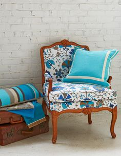 Lacefield Calypso Marina textile and  turquoise pillows.  Photo by Brian Bieder.  #southernmade #designingwomen #blue www.lacefielddesigns.com