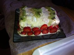 Yum... I'd Pinch That! | Strawberry-Kiwi Gooey Cake