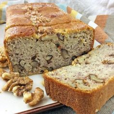 - This banana and nut sponge cake can be served hot, mild or lightly toasted, with melted butter or a strand of honey. Sweet Recipes, Cake Recipes, Cooking Time, Cooking Recipes, Happy Kitchen, Pan Dulce, Pastry Cake, Sweet Bread, Pain
