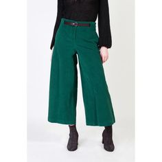 Made in Italy ᐧ - Womens velvet trousers with ribs- Details: high waist with belt, two pockets, not lined, wide leg- Main composition: cotton elasta New York Fashion Week 2017, New Years Eve Dresses, Girl Fashion, Fashion Design, S Models, Trousers Women, Fashion Advice, Mannequin, Pull