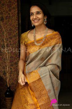 Wedding Saree Blouse Designs, Silk Saree Blouse Designs, Saree Models, Blouse Models, Gown Party Wear, Silk Sarees Online Shopping, Beautiful Dress Designs, Saree Trends, Stylish Sarees