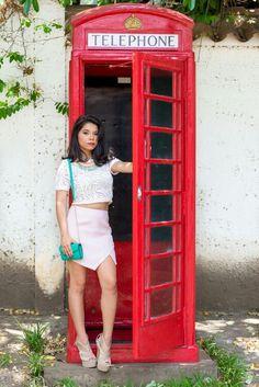 Crop Top son el Boom. Y los colores pasteles en los outfit le dan un toque elegante. Juega con los colores, recuerda creas tu propio estilo. #MorenaMia #Fashion #outfit #croptop #pink #skirt #white #necklaces #accessories #summer #model #Honduras