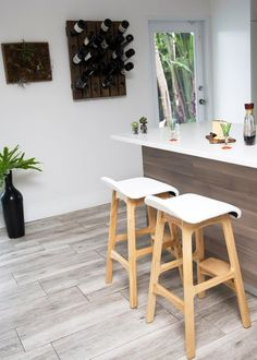 We've Found the Best Counter Stools for Every Budget. Apartment Therapy Marketplace brings you the best of furniture, accessories, and decor to make your home the best it can be. White Marble Kitchen, White Kitchen Decor, Kitchen Wall Colors, Rustic Kitchen, Kitchen Ideas, Modern Counter Stools, Cool Bar Stools, Kitchen Counter Stools, Kitchen Island