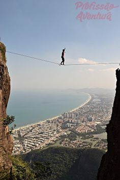 Highline na Pedra da Gávea - Profissão Aventura http://www.profissaoaventura.com.br/2016/05/como-chegar-na-pedra-da-gavea.html