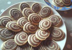 Linzercsiga | Alexandra receptje - Cookpad receptek Almond, Cereal, Food And Drink, Cookies, Breakfast, Sweet, Foods, Breakfast Cafe, Food Food