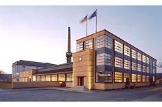 Fagus Factory - Walter Gropius - http://www.designitecture.com/wp-content/uploads/2012/02/Fagus-Factory-1.jpg