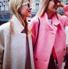 Report: The Pink Coat Takes Over Fashion Week Pink coats take over fashion week. CAbi's Tuscadero coat is the perfect optionPink coats take over fashion week. CAbi's Tuscadero coat is the perfect option Pink Lady, Dresscode Business, Business Casual, Looks Style, Style Me, Pink Style, We Wear, How To Wear, Cute Coats