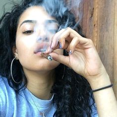 Your global source for the latest marijuana news in Along with the Best CBD products, and a up to date watch on weed legalization. Weed Girls, 420 Girls, Medical Benefits Of Cannabis, Medical Marijuana, Girl Smoking, Smoking Weed, High Society, Kool Savas, Thug Girl