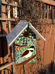 Mosaic Bird House Chickadee by NatureUnderGlass Mosaic Birdbath, Mosaic Garden, Mosaic Glass, Stained Glass, Mosaic Crafts, Mosaic Projects, Mosaic Birds, Bird Boxes, Chickadees