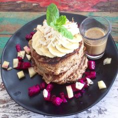 I never go home again- love eating around in bali- today @the_spicy_coconut vegan glutenfree pancake stack#goodmorning #goodfood#fruit#fruits#frühstück #breakfast #fruit#monday#plantbased #plantstrong #picoftheday #isilabelletravel #instafit #instarunners #instafitness #isilabellefood #vegan#veganfoodshare #vegansofig #fit#asicstrainingsquad #fitness #fitfood #fitforlife #hclf#cleaneating #eatclean #hclffitlife #fitfam