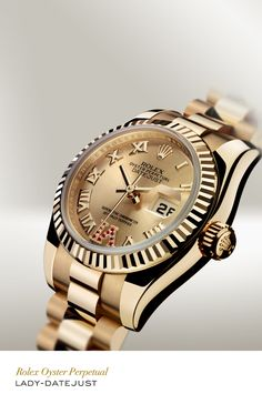 Rolex Lady-Datejust 26 mm in 18 ct yellow gold with a fluted bezel, champagne dial and President bracelet. #RolexOfficial