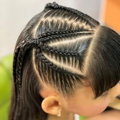 La imagen puede contener: 1 persona, primer plano Natural Hairstyles For Kids, Little Girl Hairstyles, Natural Hair Styles, Short Hair Styles, Weave Ponytail Hairstyles, Baddie Hairstyles, Cool Hairstyles, Cabello Hair, Business Hairstyles