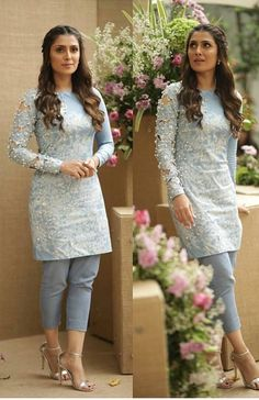 Image may contain: 2 people, people standing Pakistani Dresses Casual, Pakistani Dress Design, Stylish Dresses, Tight Dresses, Fashion Tights, Fashion Dresses, Salwar Dress, Indian Designer Suits, Kurti Designs Party Wear