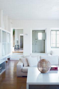 Greek chic: Μια υπέροχη βίλα στη Μύκονο | deco , υπέροχα σπίτια | ELLE