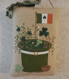 Hand Painted ST Patricks Day Pillow Tuck Leprechaun Hat Gathering Primitive #NaivePrimitive #auntiemeowsatticprims