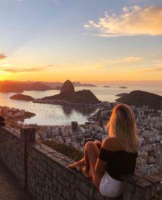 """FUN IN RIO & FOOD TRAVEL ✈ on Instagram: """"Não é miragem! É o nascer do Sol mais incrível da Cidade maravilhosa! 🇧🇷✨☀️ Que tal iniciar o dia contemplando o nascer do sol mais bonito…"""""""