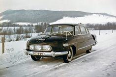 K mání je vzácná původní Tatra 603 ještě s trojicí světel, originál číslo 725 stojí majlant | Autoforum.cz Vintage Models, Vintage Cars, Bratislava, Black Steel Wheels, Heavy Duty Trucks, Bmw Z4, Old Cars, Bugatti, Concept Cars