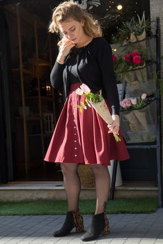 High waist skater skirt designed and made in Barcelona. With its shinny color, the Mona skirt is available from 36 to Waist Skirt, High Waisted Skirt, Gaston, Burgundy Color, Skater Skirt, Barcelona, Floral, Skirts, How To Make
