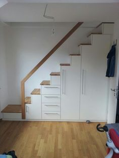 staircase with storage underneath ideas Storage Under Staircase, Small Space Staircase, Loft Staircase, Stair Storage, House Stairs, Staircase Design, Stair Design, Attic Stairs, Small Apartment Interior