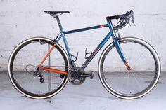 Vélo de route artisanal sur-mesure Victoire Véloce en acier Columbus HSS de Eric