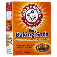 Ik kwam erachter dat je je hoofdhuid goed kunt reinigen met een DIY baking soda shampoo. Gebruik daarna een appelazijn conditioner voor zacht haar.