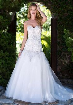 Wedding Dress Photos - Find the perfect wedding dress pictures and wedding gown photos at WeddingWire. Browse through thousands of photos of wedding dresses. Wedding Dress Pictures, Wedding Dress Styles, Bridal Dresses, Wedding Gowns, Bridesmaid Dresses, Prom Dresses, Bridal Gown, Drop Waist Wedding Dress, Perfect Wedding Dress