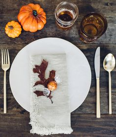The Ultimate Fall Bucket List: host a fall harvest dinner party. Invite your closest friends and family over for an intimate harvest feast! Limited edition LINDOR Pumpkin Spice truffles are the perfect touch to each place setting. Click for more ideas on the Lindt Unwrapped blog.