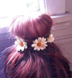 Floral Bun Ring Garland, Daisy Headband, Boho Hippie, Hair Accessories, Wedding Accessories, Bridal Halo, Flower Headband, wire vine crown