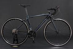 DOPPELGANGER D40 TARANIS (タラニス) http://www.doppelganger.jp/product/d40/  #doppelganger #doppelgangerbike #bike #bicycle #cycle #foldingbike #minivelo #roadbike #crossbike #japan #newproduct #shockthepeople #折りたたみ自転車 #自転車 #ドッペルギャンガー #ドッペル #ギャンガー #ドッペルギャンガー自転車 #クロスバイク #MTB #ミニベロ #小径車 #ロードバイク