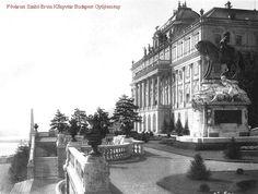 A Budavári Palota - keleti terasznak nevezett része Buda Castle, Royal Crowns, Royal Palace, Budapest Hungary, Awesome Things, Old Pictures, Homeland, Historical Photos, Street View