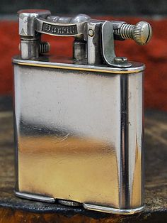 Antique Dunhill double wheel type lighter. 1930s.