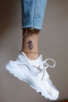 55 Awesome Tiny Rose Tattoos for Women, 55 Superior Tiny Rose Tattoos for Ladies flower tattoos; rose tattoos on shoulder; Rosa Tattoos, Mini Tattoos, Cute Tattoos, Body Art Tattoos, Tatoos, Small Tattoos, Simple Ankle Tattoos, Tattoo Simple, Little Rose Tattoos