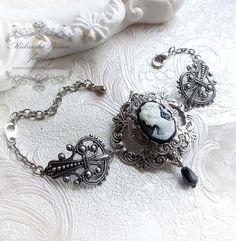 Midnight Lady - cameo lady bracelet - gothique - vintage - victorien - baroque bijoux