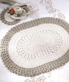 Oval Placemat - cute as is, but would be cool to use chunky yarn and a big hook to turn it into a throw rug.