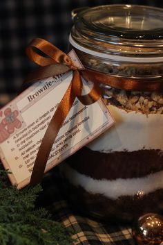 Inga: Üveges brownie Candle Jars, Mason Jars, Gourmet Gifts, Diy Gifts, Christmas Time, Diy And Crafts, Food And Drink, Favorite Recipes, Sweets