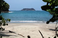 WHICH COSTA RICA BEACH IS BEST FOR YOU? WHAT TO KNOW ABOUT THE CENTRAL PACIFIC BEACHES.