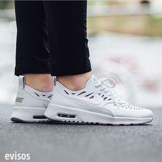 Amas las zapatillas? busca en www.evisos.com #zapatillas #online