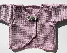 The Design Studio: Baby Rosebud Cardigan Hand Knitting Pattern Free Newborn Knitting Patterns, Baby Cardigan Knitting Pattern Free, Knitted Baby Cardigan, Cardigan Pattern, Knitting For Kids, Easy Knitting, Baby Patterns, Design Patterns, Knit Patterns