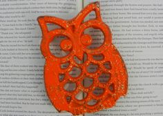 owl trivet - orange trivet - cast iron trivet - pot holder - metal wall decor - retro kitchen decor