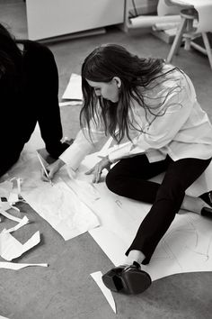 Lykke Li for & Other Stories by Carl-Axel Wahlstrom Photo by Boe & Marion. Behind the scenes. Work in progress. Student Fashion, School Fashion, Outfit Essentials, Image Mode, Foto Instagram, Mode Inspiration, Fashion Studio, Girl Boss, Dream Life