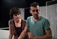 """Obra teatral """"Discordants"""". Fotografía extraída de http://retorcia.com/produccions/discordantes.html"""