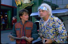 """Wir schreiben den 21. Oktober 2015, ein geschichtsträchtiges Datum: Denn heute ist der Tag, an dem Marty McFly und Doc Brown aus """"Zurück in die Zukunft"""" in der Zukunft landen."""